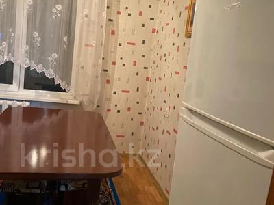 2-комнатная квартира, 54 м², 3/5 этаж, мкр Аксай-3А, Толе Би (Комсомольская) — Яссауи (п.Дружба) (Центральная) за 19 млн 〒 в Алматы, Ауэзовский р-н