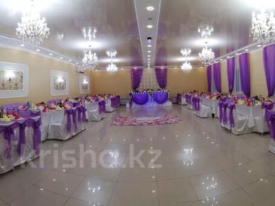 Здание, площадью 300 м², Микрорайон Умит за 35 млн 〒 в Уральске