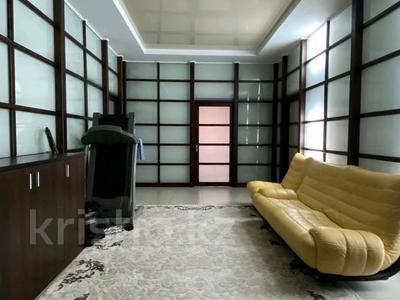 4-комнатная квартира, 205 м², 1/4 этаж, мкр Юбилейный, Омаровой 37 за ~ 135.1 млн 〒 в Алматы, Медеуский р-н
