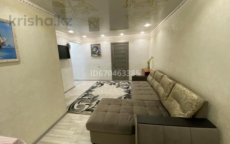 2-комнатная квартира, 50 м², 3/3 этаж посуточно, Назарбаева 55 — Казахстанская за 12 000 〒 в Талдыкоргане