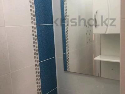 2-комнатная квартира, 70 м², 1/5 этаж помесячно, Астана 4 — 12 мкр за 90 000 〒 в Таразе — фото 10