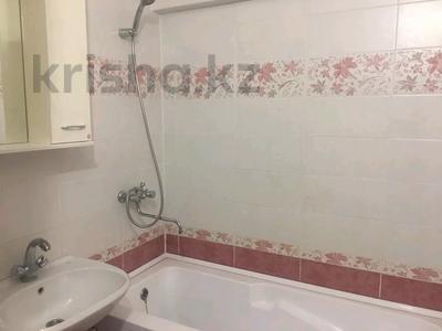 2-комнатная квартира, 70 м², 1/5 этаж помесячно, Астана 4 — 12 мкр за 90 000 〒 в Таразе — фото 6