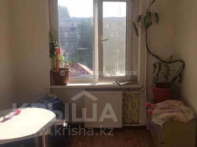 2-комнатная квартира, 46 м², 4/5 этаж, Таха Хусейна 2/2 за 12.5 млн 〒 в Нур-Султане (Астана), р-н Байконур