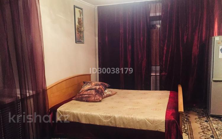 1-комнатная квартира, 30 м², 5/5 этаж посуточно, Пушкина 90 — Дулатова за 5 000 〒 в Костанае