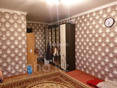 1-комнатная квартира, 37.2 м², 3/6 этаж, Зангар (бывш. Воровского) 59 — Рыскулова за 3.5 млн 〒 в Актобе — фото 2