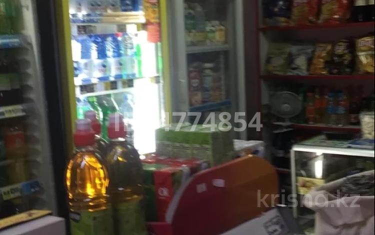 Магазин площадью 31 м², мкр Аксай-3, Аксай 3 д17 кВ 22 17 — Момышулы за ~ 20 млн 〒 в Алматы, Ауэзовский р-н