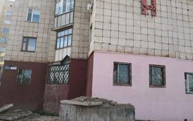 4-комнатная квартира, 115 м², 1/10 этаж, Гапеева — Муканова за 24.5 млн 〒 в Караганде, Казыбек би р-н