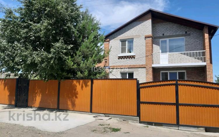 9-комнатный дом, 286 м², 17 сот., 23 мкр 7 за 32 млн 〒 в Усть-Каменогорске