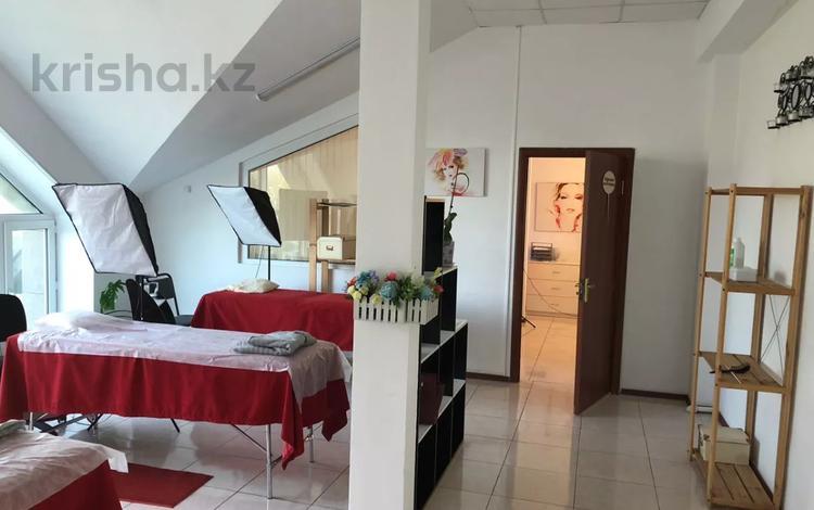 Офис площадью 300 м², Гоголя 31/3 — Алиханова за 45 млн 〒 в Караганде, Казыбек би р-н