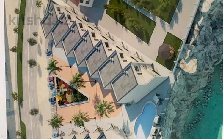 8-комнатный дом, 360 м², 4А мкр, 4А мкр за 75 млн 〒 в Актау, 4А мкр