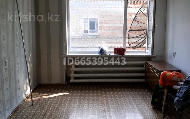 3-комнатная квартира, 57 м², 2/2 этаж, Окжетпес 143 за 7.6 млн 〒 в Щучинске