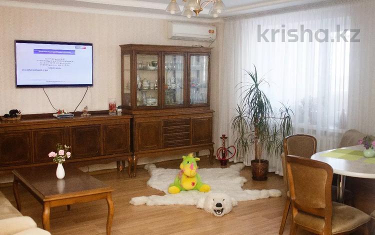 3-комнатная квартира, 78 м², 8/10 этаж, Максима Горького 37 за 14.9 млн 〒 в Павлодаре