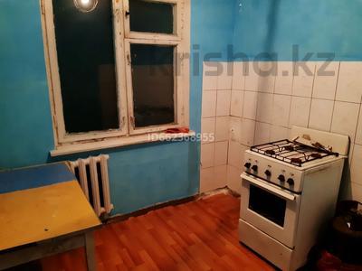 1-комнатная квартира, 36 м², 2/4 этаж помесячно, 1 микр 17 за 40 000 〒 в Капчагае — фото 2
