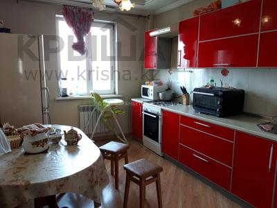 2-комнатная квартира, 54 м², 9/12 этаж, Мкр Аксай-1А за 22 млн 〒 в Алматы, Ауэзовский р-н