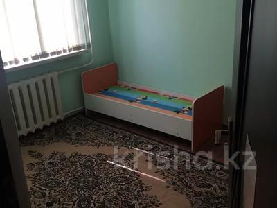 3-комнатная квартира, 70 м², 2/5 этаж помесячно, 17 мкр 13а — Еримбетова за 85 000 〒 в Шымкенте, Енбекшинский р-н — фото 3