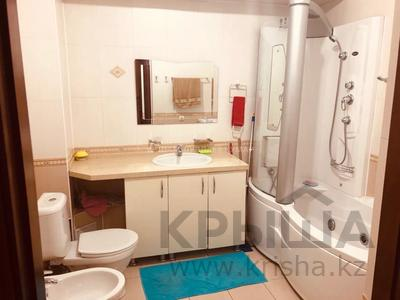 3-комнатная квартира, 115 м², 2/9 этаж помесячно, Сыганак 15 — Сауран за 210 000 〒 в Нур-Султане (Астана), Есиль р-н — фото 17