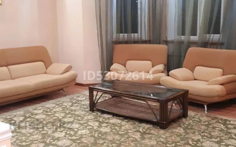 6-комнатный дом помесячно, 600 м², 15 сот., 1-й мкр 9 участок за 650 000 〒 в Актау, 1-й мкр