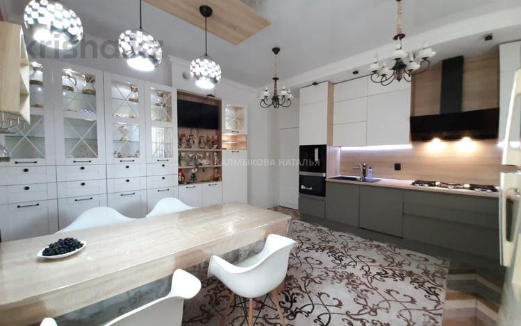 8-комнатный дом, 320 м², 8 сот., мкр Таусамалы, Ниязбекова 7 — Ашимова за 150 млн 〒 в Алматы, Наурызбайский р-н
