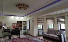 9-комнатный дом помесячно, 1000 м², 25 сот., Шаляпина за 2 млн 〒 в Алматы