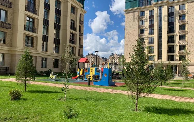 4-комнатная квартира, 139.8 м², 8/8 этаж, Шамши Калдаякова 6 за ~ 63.1 млн 〒 в Нур-Султане (Астана)