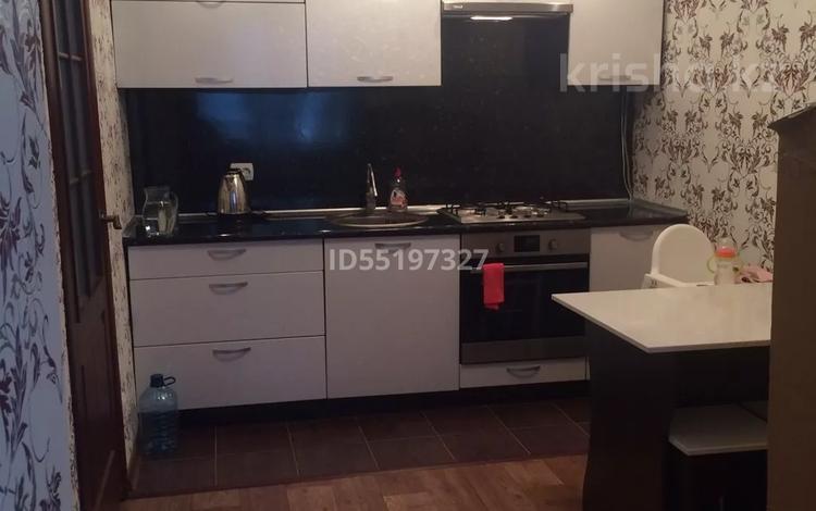 2-комнатная квартира, 55 м², 7/9 этаж, Курмангазы 161 — Ихсанова за 13 млн 〒 в Уральске