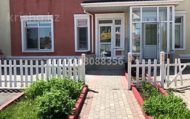 3-комнатный дом, 112 м², 3 сот., Будапешт за 53 млн 〒 в Нур-Султане (Астана), Есиль р-н
