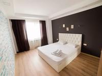 3-комнатная квартира, 95 м², 2/25 этаж посуточно