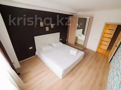 3-комнатная квартира, 95 м², 2/25 этаж посуточно, Каблукова 38г за 16 000 〒 в Алматы, Бостандыкский р-н — фото 9