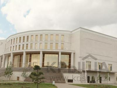 Здание, площадью 15500 м², Пр. Шахтеров за 3.7 млрд 〒 в Караганде, Казыбек би р-н