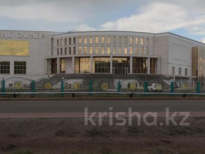 Здание, площадью 15500 м², Пр. Шахтеров за 3.7 млрд 〒 в Караганде, Казыбек би р-н — фото 2
