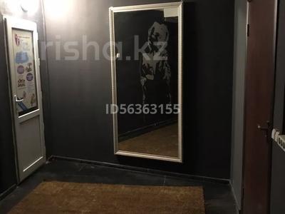 Помещение площадью 150 м², Гапеева 1 — Рыскулова за 200 000 〒 в Караганде, Казыбек би р-н — фото 8