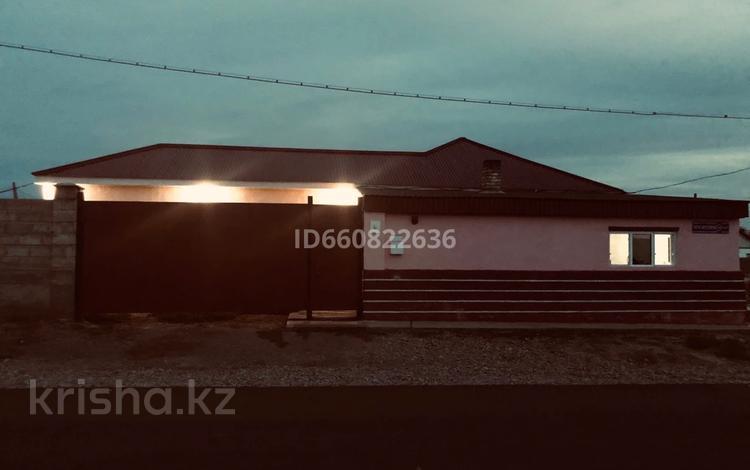 5-комнатный дом, 180 м², 10 сот., Т.Бегелдинов 14 за 10 млн 〒 в Жанатасе
