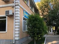 Здание, площадью 1300 м²