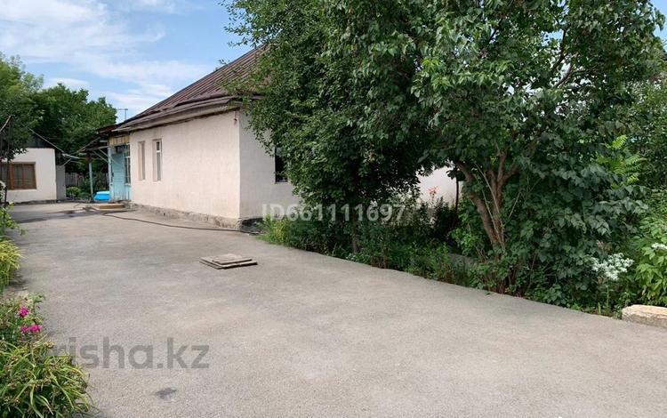 6-комнатный дом, 107 м², 8 сот., Енликгуль 30 за 33.5 млн 〒 в Алматы, Жетысуский р-н