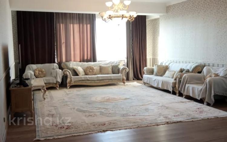 4-комнатная квартира, 163.3 м², 10/11 этаж, мкр Жетысу-3, Мкр Жетысу-3 за 70 млн 〒 в Алматы, Ауэзовский р-н