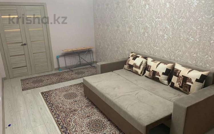 1-комнатная квартира, 40 м² помесячно, Сауран 12/1 — Алматы за 95 000 〒 в Нур-Султане (Астана), Есиль р-н