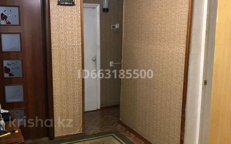 3-комнатная квартира, 60 м², 5/5 этаж, мкр Майкудук, Восток-2 6 за 14 млн 〒 в Караганде, Октябрьский р-н