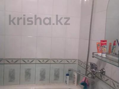 1-комнатная квартира, 39 м², 8/9 этаж, улица Рыскулова 1а за 6 млн 〒 в Семее — фото 3