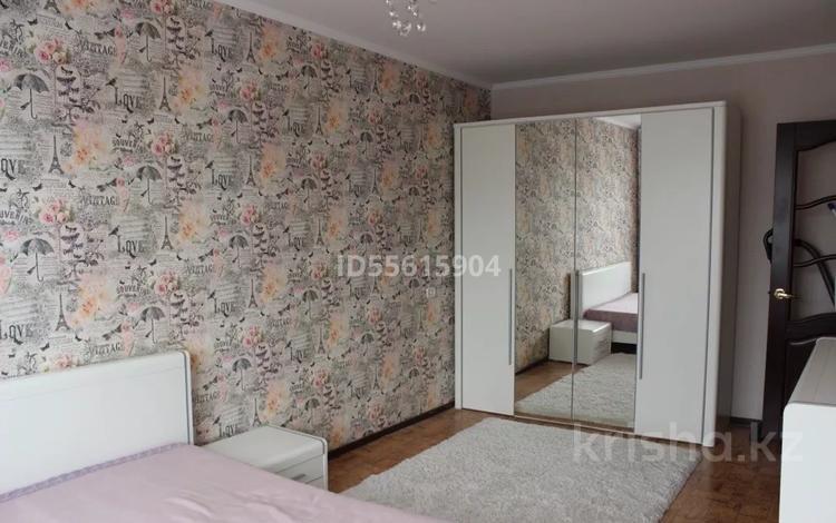 3-комнатная квартира, 60.9 м², 3/5 этаж, Есет батыра 105 за 9.9 млн 〒 в Актобе, мкр 5