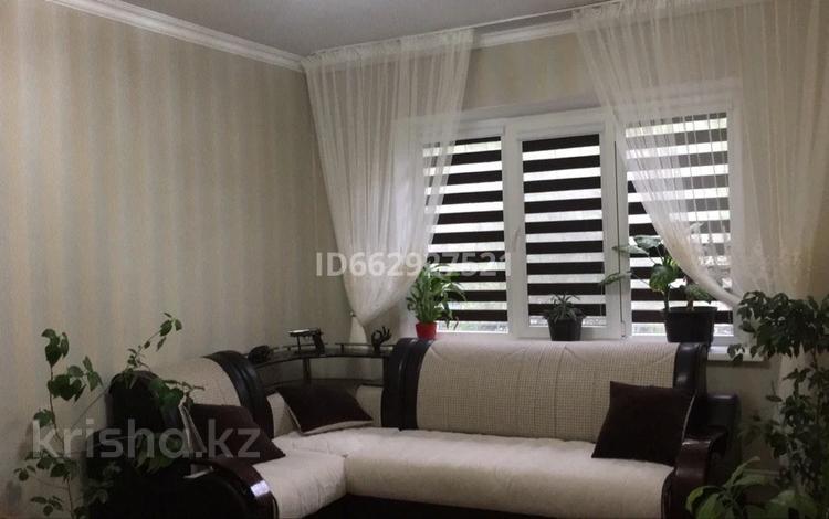 2-комнатная квартира, 60 м², 1/9 этаж, мкр Таугуль-1 82 за 30 млн 〒 в Алматы, Ауэзовский р-н