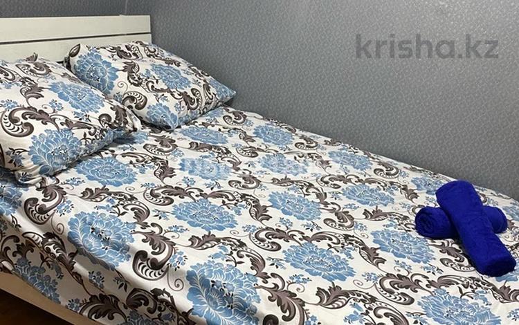 2-комнатная квартира, 48 м², 2/5 этаж посуточно, мкр №11, №11 мкр 28 — Алтынсарина за 11 000 〒 в Алматы, Ауэзовский р-н