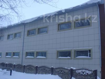 Здание, площадью 1195 м², Октябрьская за 300 млн 〒 в Щучинске — фото 2
