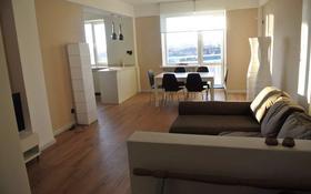 3-комнатная квартира, 100 м², 7/8 этаж помесячно, Студентческая 190 за 350 000 〒 в Атырау