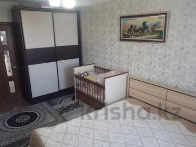 3-комнатная квартира, 61 м², 5/5 этаж, Проспект Абылхаир хана 84 за 9.9 млн 〒 в Актобе, мкр 8 — фото 3