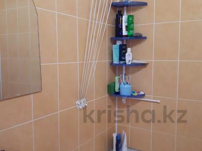 3-комнатная квартира, 61 м², 5/5 этаж, Проспект Абылхаир хана 84 за 9.9 млн 〒 в Актобе, мкр 8 — фото 7