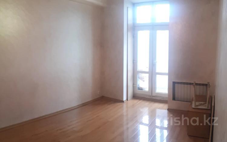 2-комнатная квартира, 44 м², 2/4 этаж, Ленина за 13.8 млн 〒 в Караганде, Казыбек би р-н