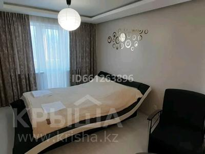 1-комнатная квартира, 30 м², 5/5 этаж посуточно, Алиханова 32 за 10 000 〒 в Караганде, Казыбек би р-н — фото 2
