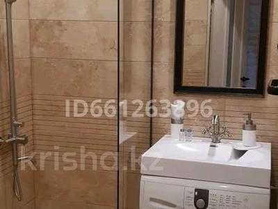 1-комнатная квартира, 30 м², 5/5 этаж посуточно, Алиханова 32 за 10 000 〒 в Караганде, Казыбек би р-н — фото 8