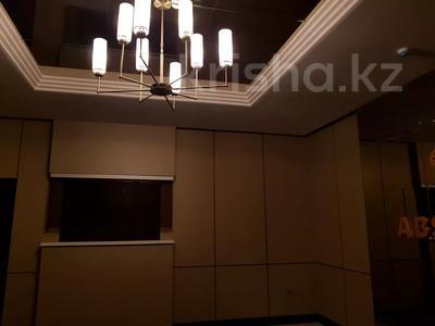 4-комнатная квартира, 130 м², 6/10 этаж, Ильяса Омарова 27 — Кайыма Мухамедханова за 37.5 млн 〒 в Нур-Султане (Астана), Есильский р-н — фото 5