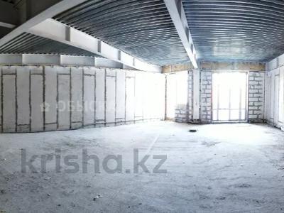 3-комнатная квартира, 103 м², 7/8 этаж, мкр Юбилейный, Омаровой 31 — Юбилейный за ~ 33.5 млн 〒 в Алматы, Медеуский р-н — фото 2